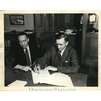 1933 Press Photo Akron, Ohio Lt Cmdr TGW Settle & Van Orman, Goodyear pilot