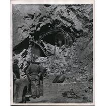 1949 Press Photo Cave In at Railroad Tunnel at Boysen Dam in Wyoming