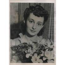 1941 Press Photo Pauline Martin crowned Photogenic Queen