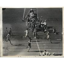 1932 Press Photo A Jonath of Germany wins 200 meters in Olympics - nes18242