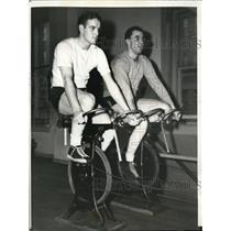 1941 Press Photo Chicago Frank Gustine of Pirates & Giants Bob Carpenter train