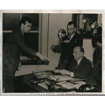 1939 Press Photo Sportswriter Bill McGraw,Leon Rains of PA Boxing Comm