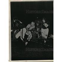 1942 Press Photo All Star Bear Osmanski #9 gains 8 yards - nes19132
