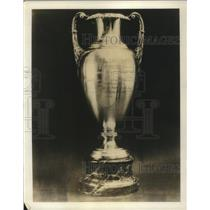 1932 Press Photo The Henry L. Doherty trophy