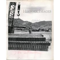 1951 Press Photo Aviation engineers stack Marsten mat as runway at Fort Huachuca