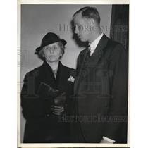 1939 Press Photo LA Calif Wilbur Lee Brubaker of Pirates & mom Mrs Flora