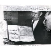 1960 Press Photo Henderson Registar Marshall Watterson holds marriage license