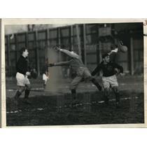 1937 Press Photo Ramsey of Graphite soccer vs Ricielinski