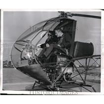 1957 Press Photo Gale J Mooer, Hughes test pilot & Col Hallett Edson