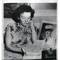 1950 Press Photo Cinncinati Ohio Mrs Ruby Hines & notice son Jack MIA in Korea