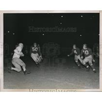 1938 Press Photo Stopper of the All-Stars carrying the ball as Giants players