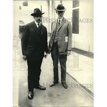 1922 Press Photo Dr.Edward T.Devine and Chas. P. Neill - nex10730