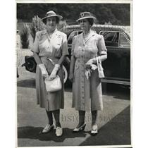 1940 Press Photo Mrs. Hull with Mrs. Welles takes time out for the holidays