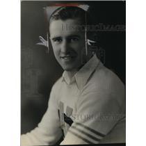 1933 Press Photo Eddie McKenney of News Kenoska Wis