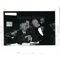 1988 Press Photo Captain Bernice Barris C.A.P. Civil Air Patrol with John Glenn