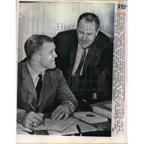 1964 Media Photo Ken Willard Signs To The San Francisco 49ers