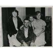 1934 Media Photo La Calif Mr & Mrs Raymond Taylor & kids win Irish Sweepstakes