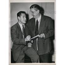 1947 Press Photo Chicago Bob Nussbaumer & Redskin owner George Marshall