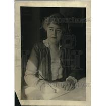 1920 Press Photo Mrs. grace Bartlett, assistant director Saving Division