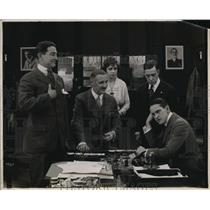 1918 Press Photo Actors in a Scene from A Pair of Sixes