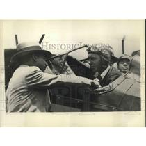 1932 Press Photo Robert Buck Arriving Mexico City - orp13424
