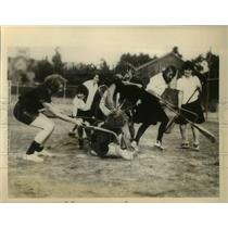 1927 Press Photo Lacross match between 2 goirls teams