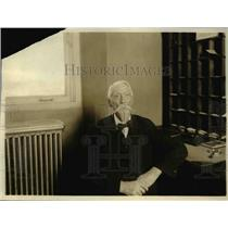 1920 Press Photo John R. Weathers, 74, 36 years of service in the Pension Office