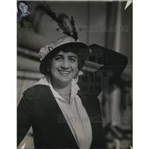 1915 Press Photo Mrs Martha Golden
