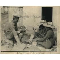 1924 Vintage Press Photo Mexican Soldiers Pass Time by Playing Cards