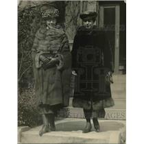 1921 Press Photo Mrs. Edwin Denby and Mrs. Charles Denby in Washington.