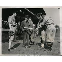 1938 Press Photo LA Angels Lon ,Airhart,Dave Fleming,Jim Jewell.Truck Hannah