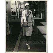 1929 Press Photo Mrs. Martin C. Sweeney at Palm Beach, Florida