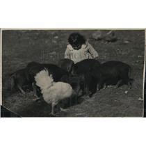 1925 Press Photo Glacier National Park, Blackfeet Indian children