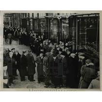1938 Press Photo Line of Unemployed men at St. Paul, Minnesota