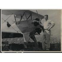 1938 Press Photo The flying Farmer of Custer County, Okla