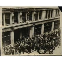 """1930 Press Photo Police  raid """"Red: Offices on London on May Day."""