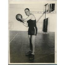 1927 Press Photo NYC Maurice Woods basketball guard for Fordham U. - nes22872