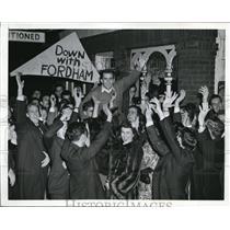 1941 Press Photo Columbia Missouri Students Cheer Football Art Santo Michigan