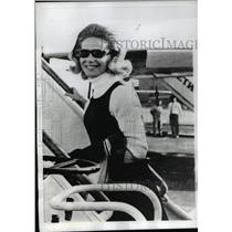 1968 Press Photo Marquess of Blandford, former Tina Onassis boards a plane