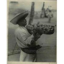 1924 Press Photo A typical Mexican fruit vendor.