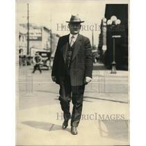 1926 Press Photo John Kelly brings his mounts home first