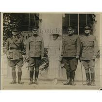 1918 Press Photo Lt. Col Berry, General George Hutchinson, Col & Mrs Frank Beach