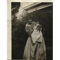 1918 Press Photo Mrs. Albert Waldrow with Infant Son