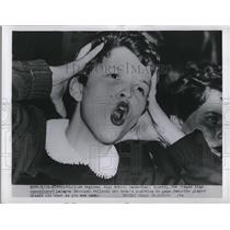 1954 Press Photo LaRayne Grossman reflects on her team's position in game
