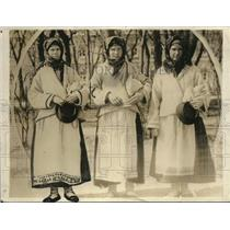 1919 Press Photo The typical Russian peasant girls
