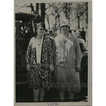 1928 Press Photo Mrs. Jerome Calvin and Mrs. J. C. Ault