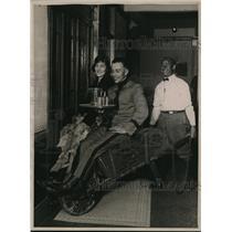 1922 Press Photo World War veteran,A.L. Willmot with Miss Ella Heck & Tom Morgan
