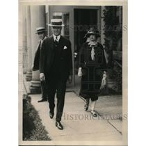 1923 Press Photo Mrs. Leland Stanford Wood and Mr. Wood leaving country jail