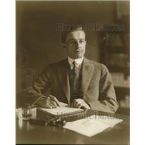 1914 Press Photo Tom Sidles Writing