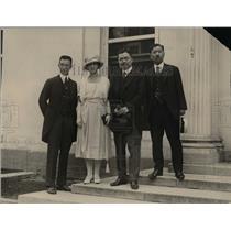 1921 Press Photo Toshimaro Yammoto, Mrs Yammoto, Baron Kijuro Shideharn, and
